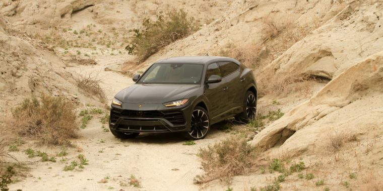 The Fastest Suv Our First Drive In Lamborghini S 641 Horsepower