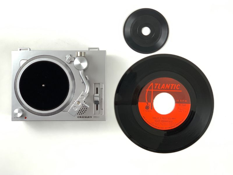 "This tiny turntable will be released, along with eight 3"" singles from Epitaph Records and Third Man Records on April 13, 2019, aka Record Store Day."