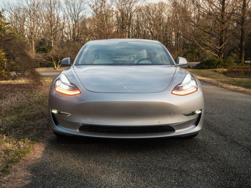 Tesla starts leasing Model 3s