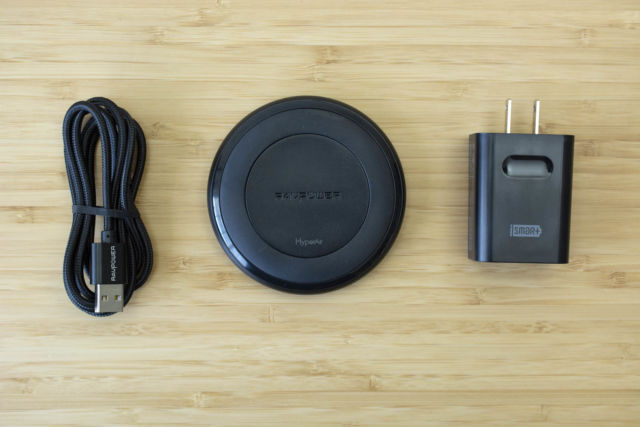 RAVPower's RP-PC034 wireless charger.