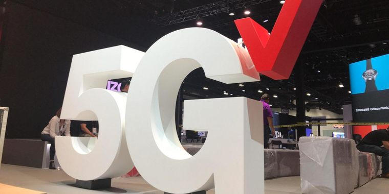 Want Verizon or AT&T 5G? You'll have to buy an expensive unlimited plan thumbnail