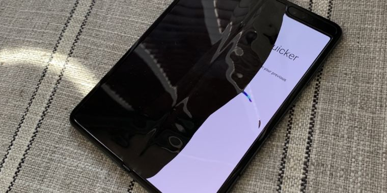 After the Galaxy Fold breaks in the hands of reviewers, Samsung delays launch