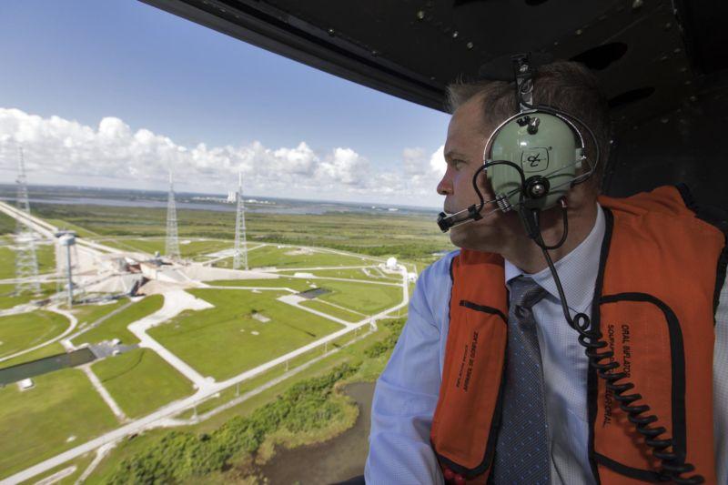 NASA Administrator Jim Bridenstein visits Kennedy Space Center in 2018.