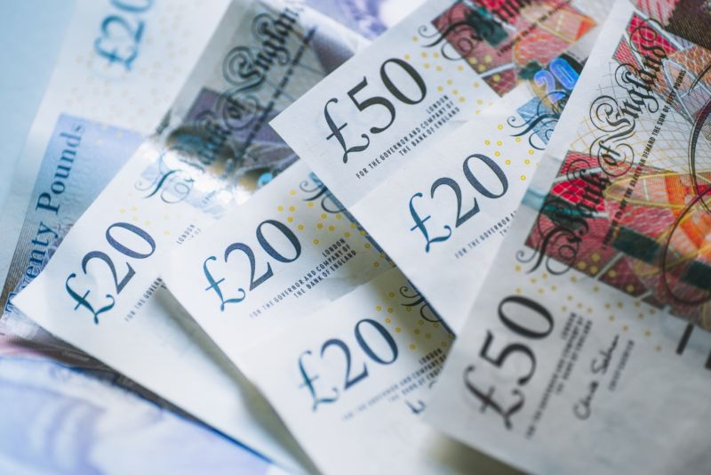 UK ISPs now automatically refund customers £8 a day for