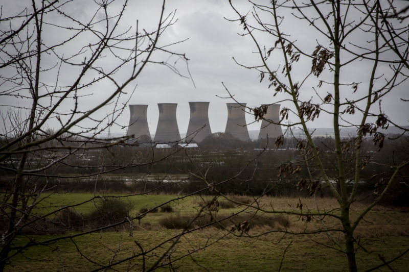 United Kingdom goes a week without coal-fired power for first time