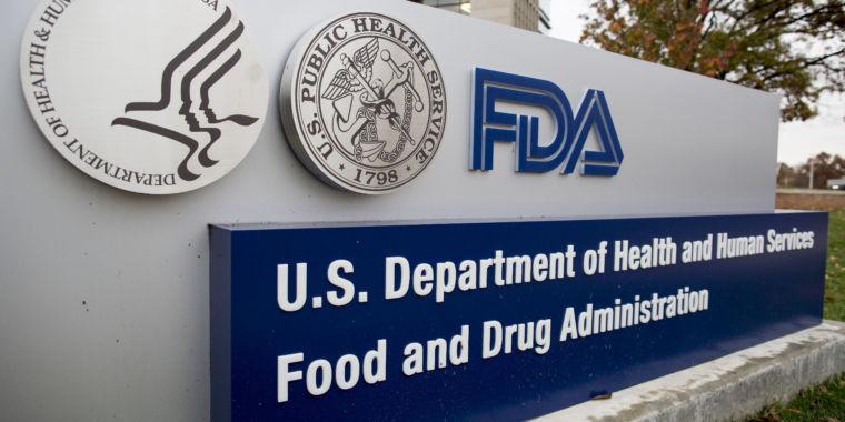 Three experts resign as FDA advisors over approval of Alzheimer's drug