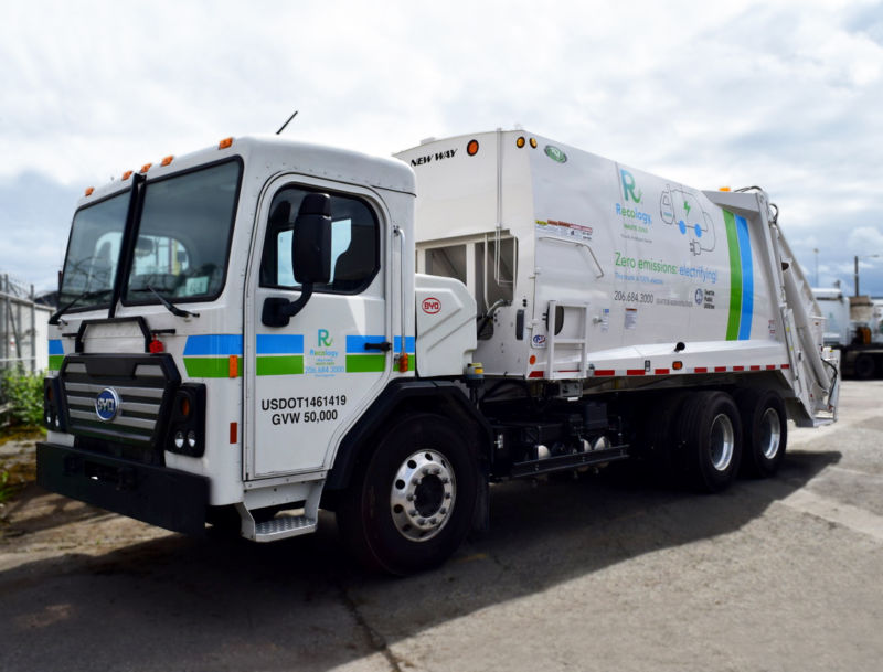 This is Recology's new BYD 8R, the first electric rear-loading class 8 garbage truck in the US.