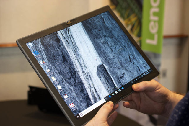 Lenovo shows off a folding-screen laptop, coming some time in 2020