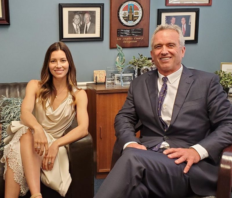 Actress Jessica Biel, who supports the famous anti-vocalist Robert F. Kennedy Jr. in an effort to protect the exceptions to non-medical vaccines.