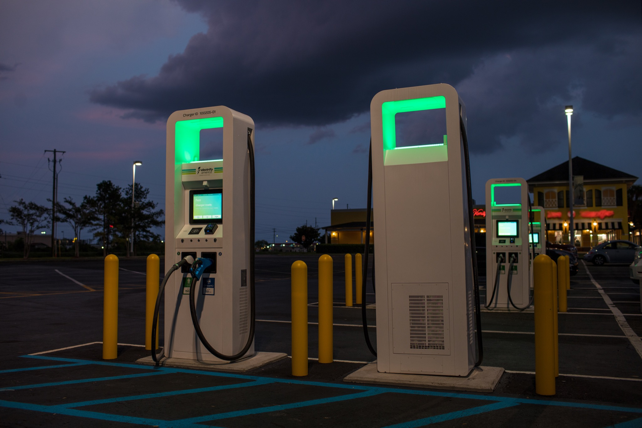 Electric Car Charging Stations Locations >> Electric Car Charging In America Just Got A Little Bit