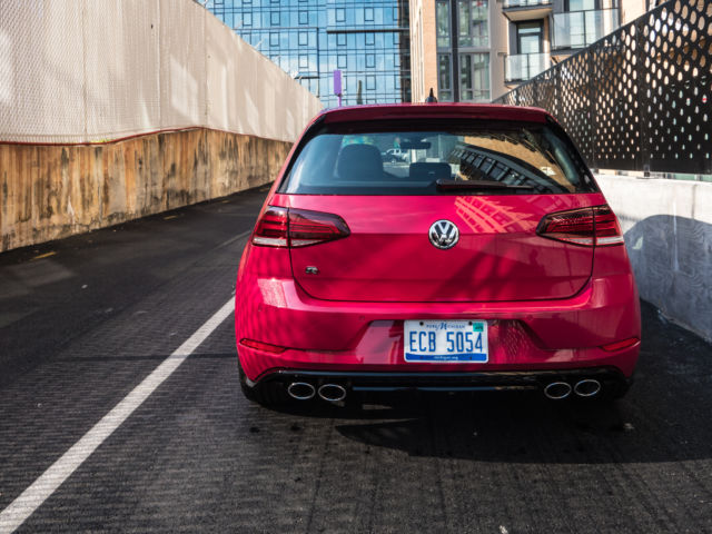 The 2019 Volkswagen Golf R is king of the hot hatches | Ars