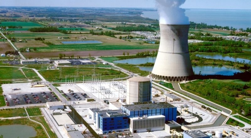 Image of a nuclear power plant.