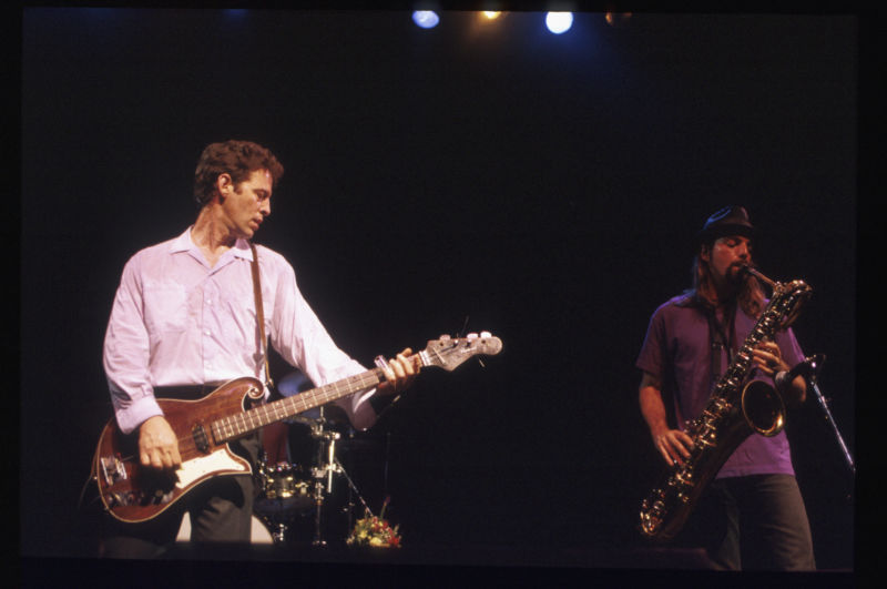 Hexbyte - Tech News - Ars Technica | Bass guitarist Mark Sandman and saxophonist Dana Colley in concert with their band Morphine in the '90s.
