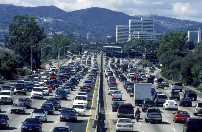 Car makers, California agree to emissions rules Trump admin is trying to kill