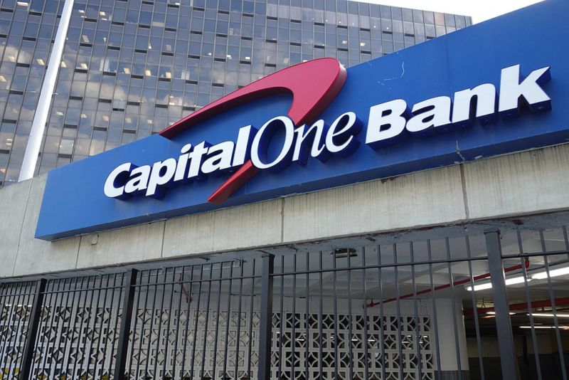 Hacker ID'd as former Amazon employee steals data of 106 million people from Capital One