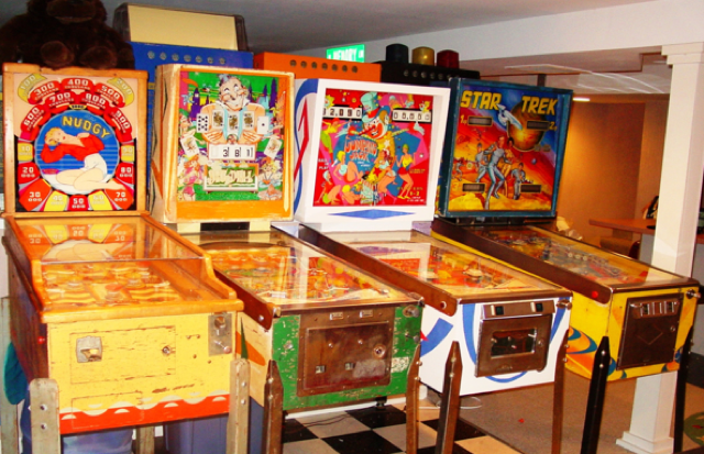Fixing the past: The art of collecting pinball machines