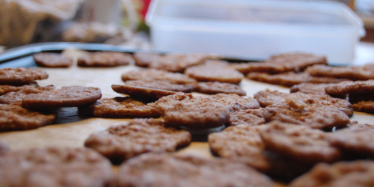 Google defends tracking cookies—some experts aren't buying