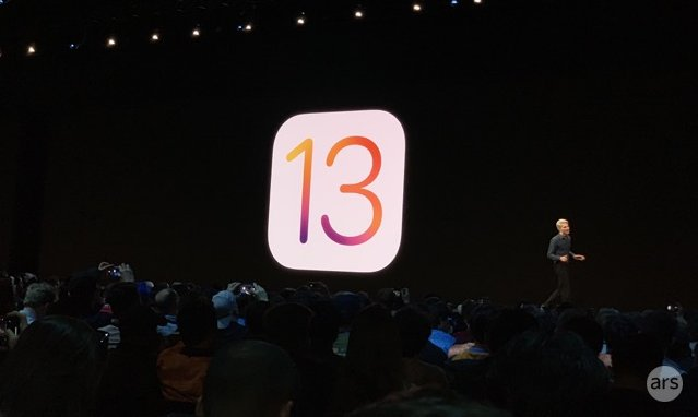 Apple's Craig Federighi unveils iOS 13 at WWDC 2019.