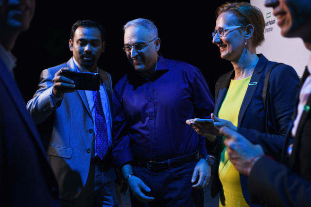 Neri, here posing for a selfie with Discover attendees, has been driving a cultural shift at HPE engineered by Neri and former CEO Meg Whitman.