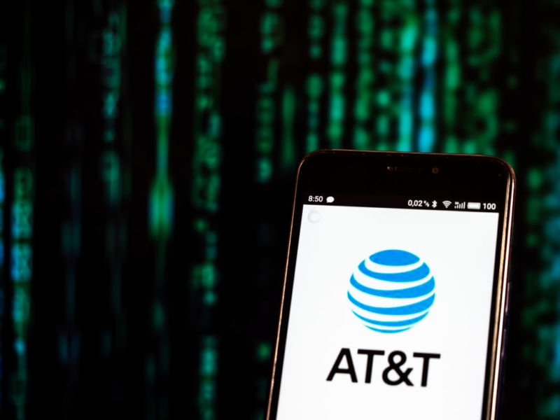Fraudster Unlocks Over 2 Million AT&T Phones, Pays $1 Million