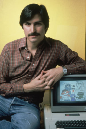 Some vintage techie posing with an Apple II computer.(Credit: Ted Thai/The LIFE Picture Collection via Getty Images)