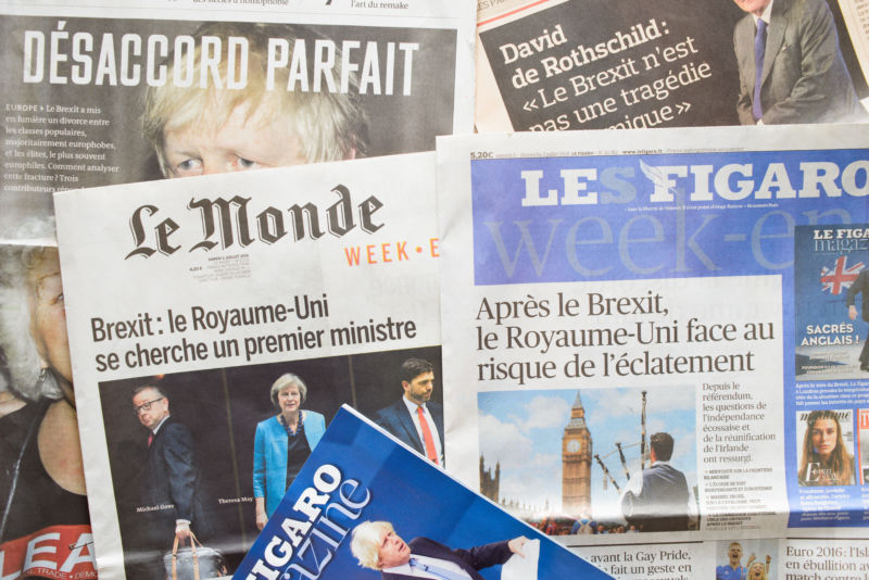 Google takes hard line, refuses to pay French news sites despite new law