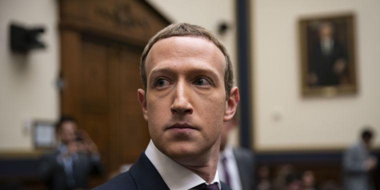 Facebook employees revolt over Zuckerberg's stance on Trump thumbnail