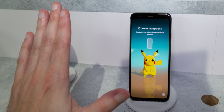 Pixel 4 hands-on?Thumbs up for 90Hz, thumbs down for Project Soli