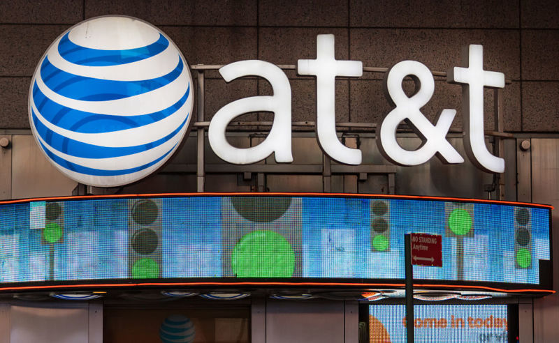 At launch, AT&T's real 5G will only be as fast as its fake 5G