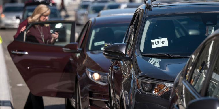 Uber lost $1.1 billion last quarter, says rides are profitable (sort of)