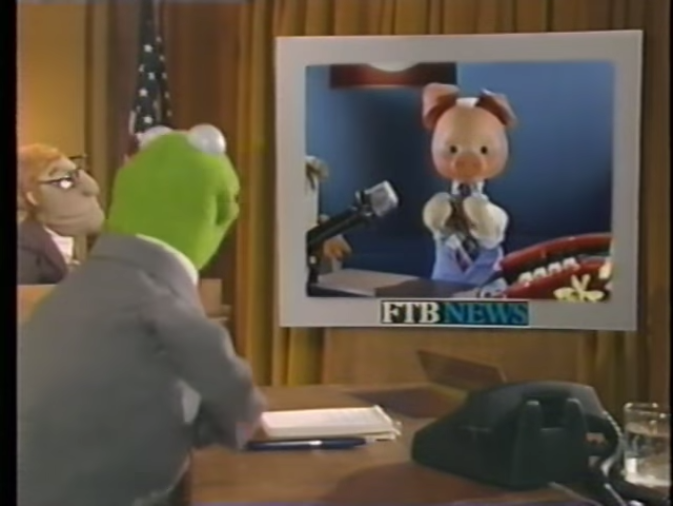 Khryusha the Pig and Kermit the Frog chat on a popular Soviet children's show.