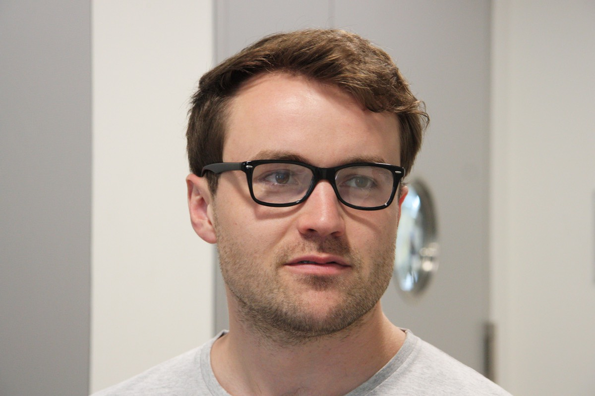 The lenses in ETH doctoral student Julian Koch's glasses contain a short video.