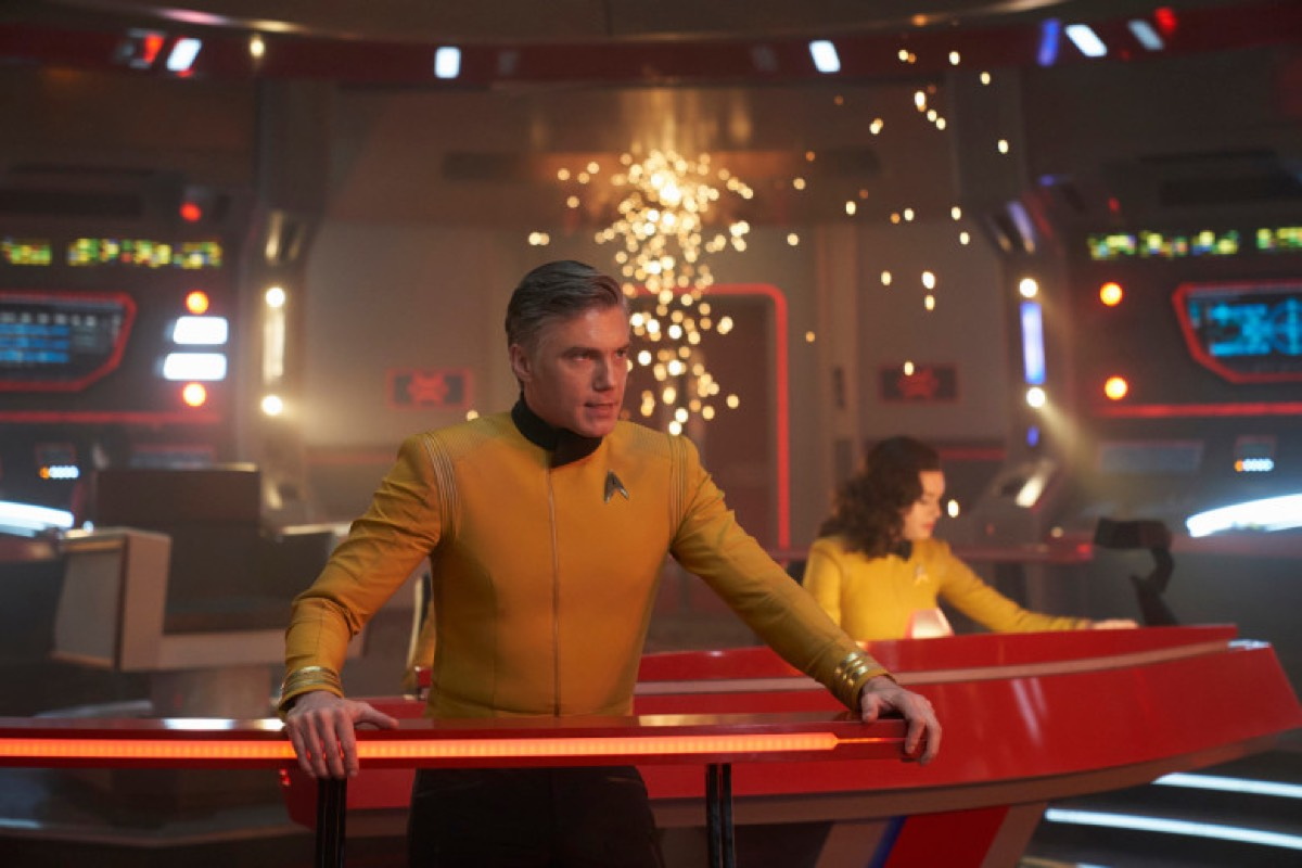 Anson Mount plays the tough but fair Captain Pike on <em>Star Trek: Discovery</em>.