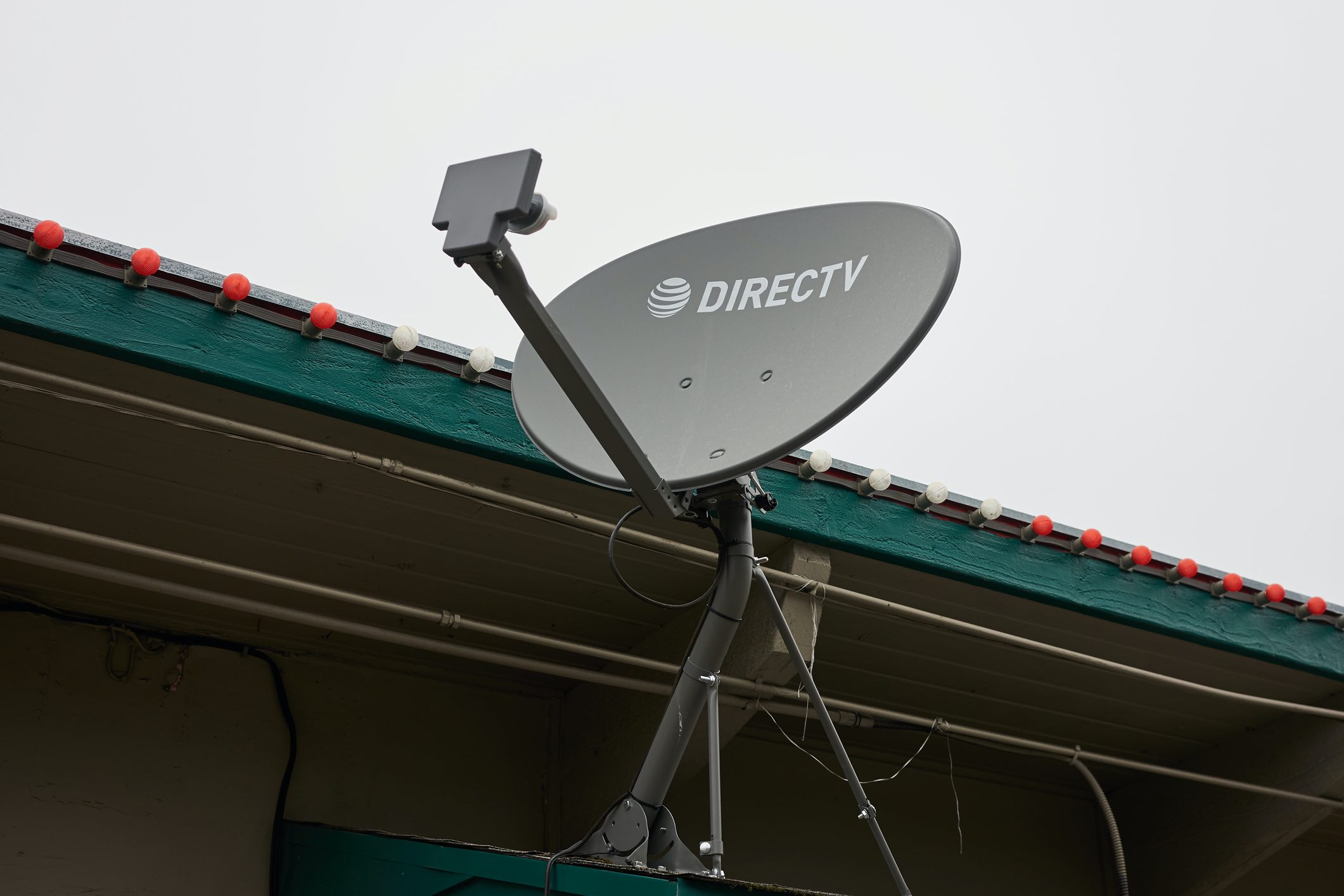 At T May Keep Majority Ownership Of Directv As It Closes In On Final Deal Ars Technica Direct tv satellite installation technician salary