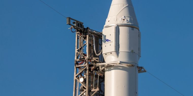SpaceX to attempt cargo launch, upper-stage experiment for second time