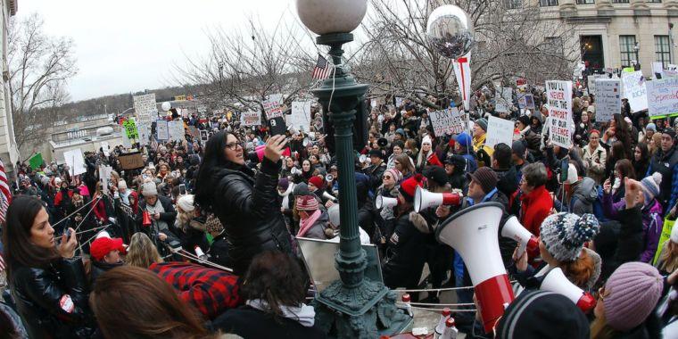 Anti-vaxxers celebrate victory in NJ as pro-vaccine bill falls apart