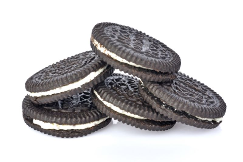 Could you resist these Oreos? Maybe if you depended on a friend to help you delay gratification.