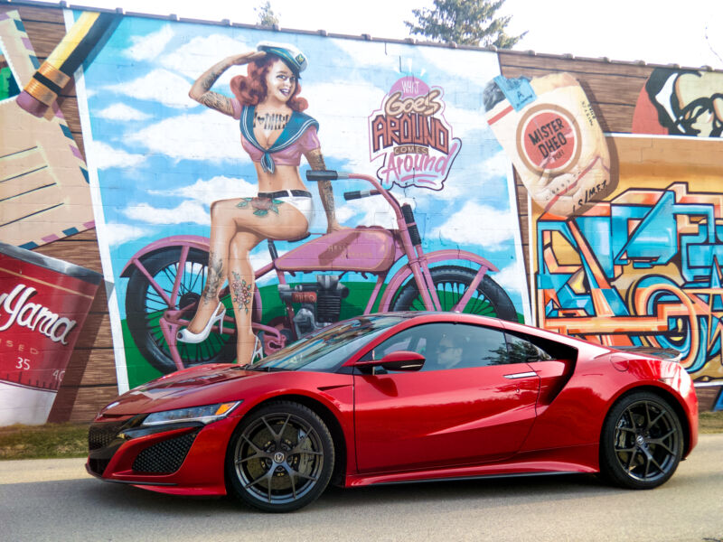 1,200 uncomfortable miles in a gorgeous Acura NSX hybrid supercar