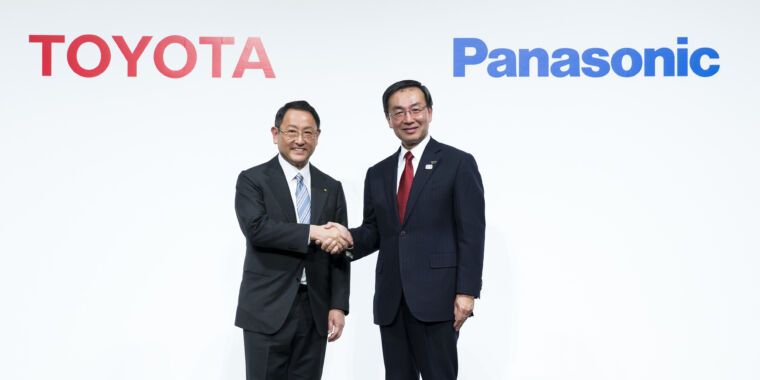 Panasonic and Toyota team up to build prismatic batteries for EVs