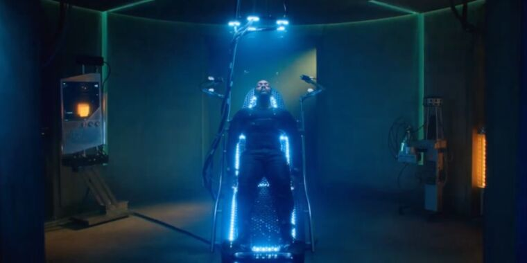 A cyberpunk mercenary searches for his lost love in Altered Carbon S2 trailer