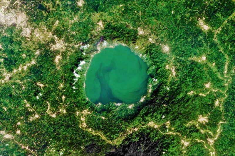 Lake Bosumtwi, located in Ghana, is situated inside a meteorite impact crater. Perhaps we should protect ourselves? (Photo by USGS/ NASA Landsat/Orbital Horizon/Gallo Images/Getty Images)
