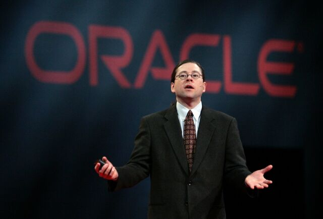 Sun CEO Jonathan Schwartz speaks at an Oracle conference in 2006, three years before Oracle bought his company.