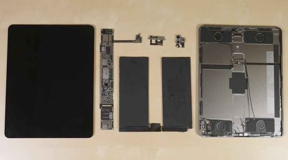 Image of article 'iPad Pro teardown basically finds 2018's iPad Pro with a lidar sensor'