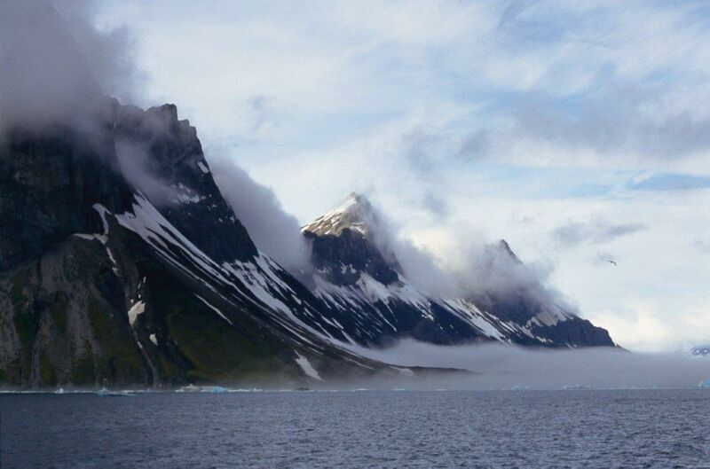 Over 14,000 years ago, an ice sheet was perched on Svalbard.