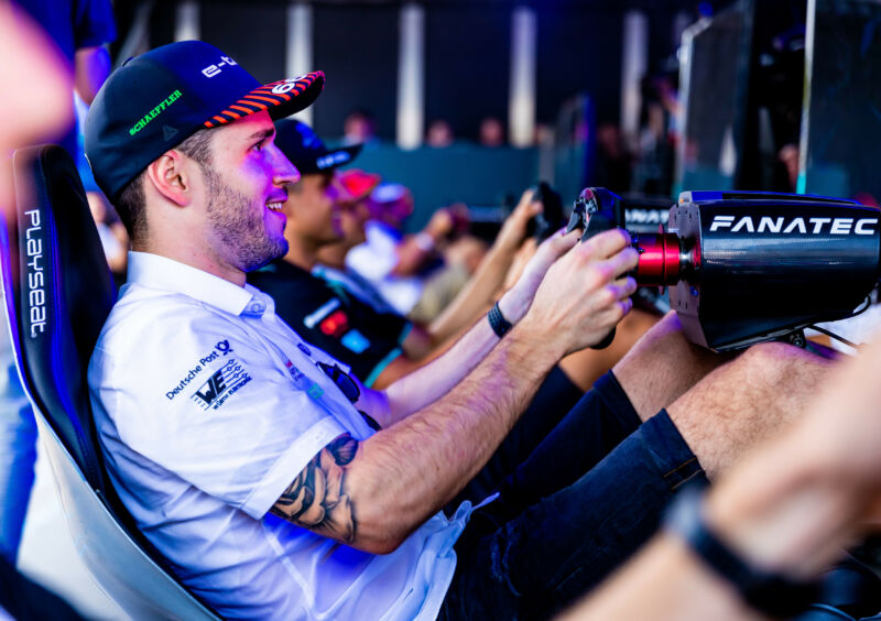 Daniel Abt in happier times, taking part in a sim race at this year's Santiago ePrix in Chile. After doing unusually well in a sim race this weekend, it turned out Abt had brought in a ringer.