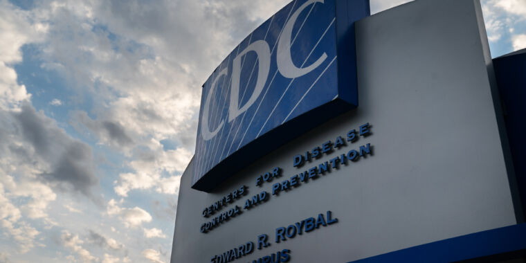 After months of silence, CDC holds press briefing, issues new COVID advice thumbnail