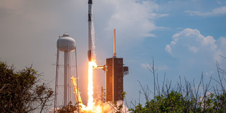 """Image of article 'The trampoline is working""""—SpaceX returns human spaceflight to America'"""
