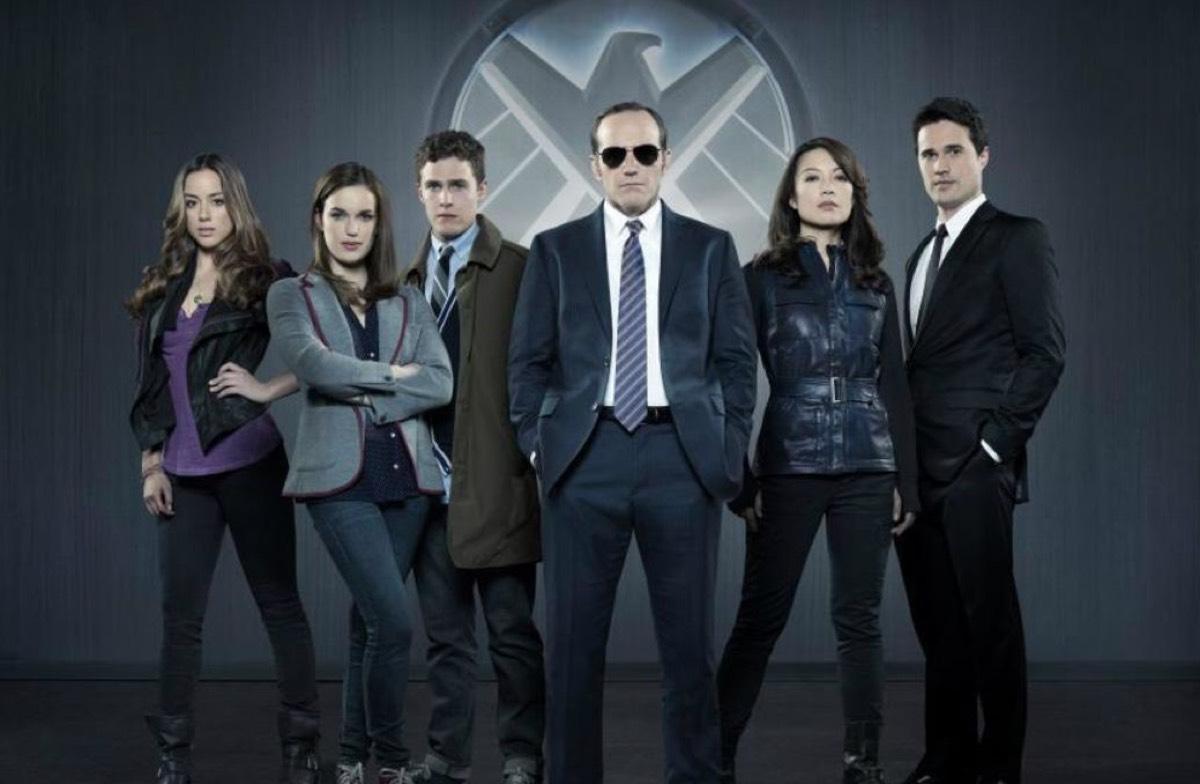 "The original team on <em>Agents of S.H.I.E.L.D.</em>""><img alt="