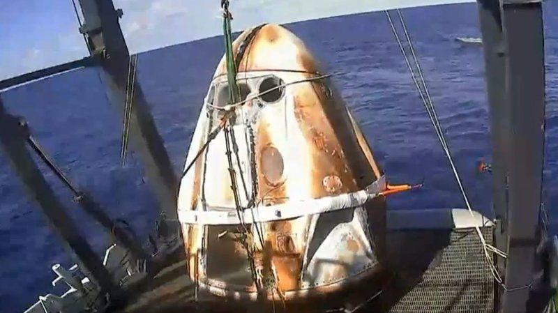 Video still image of Crew Dragon after its first flight in 2019.