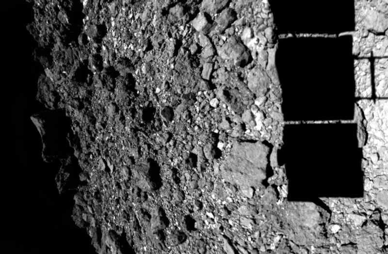 The surface of Ryugu as Hayabusa2 made its approach.